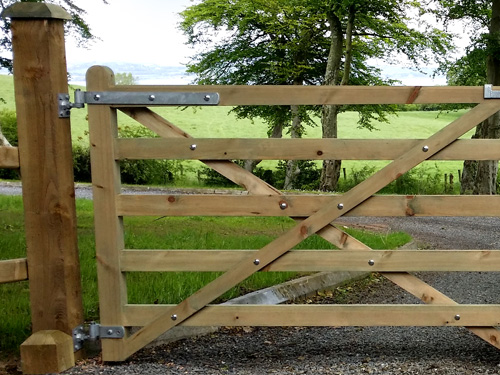 Diamond Brace Gates from Timbergate