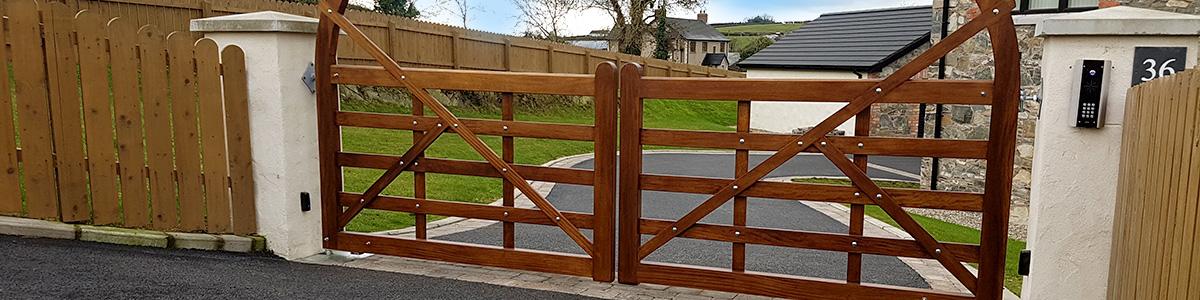 Estate Gate Gate  from the Timbergate Country Range of Timber Gates