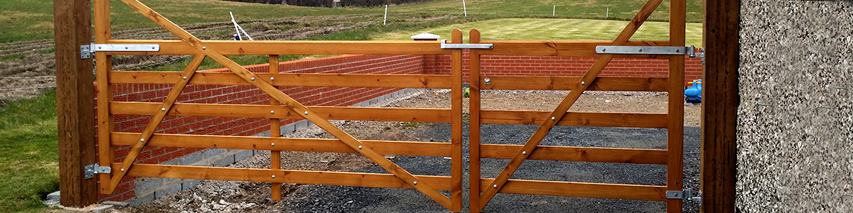 Lakeland Gate  from the Timbergate Country Range of Timber Gates