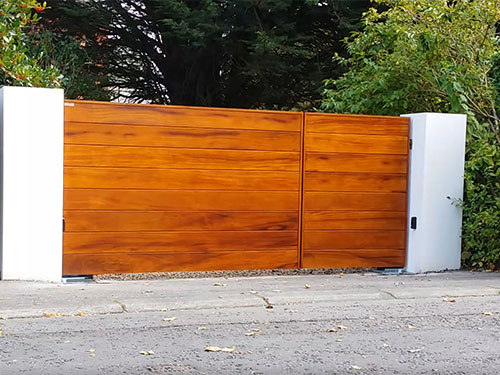 Ormiston Frameless Gates from Timbergate