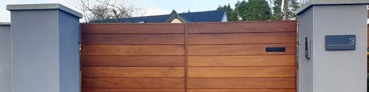 Ormiston Frameless Gate  from the Timbergate Modern Range of Timber Gates