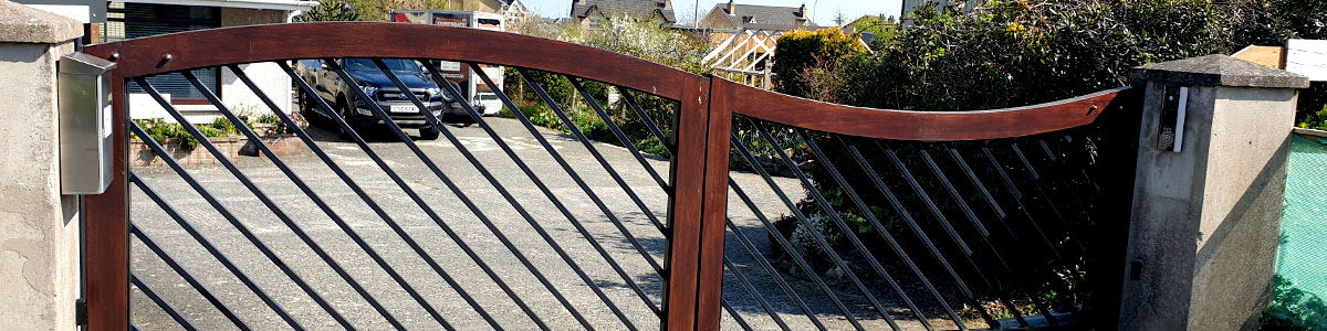 Seapark Gate  from the Timbergate Modern Range of Timber Gates